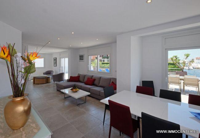 Villa in Empuriabrava - LV04 freser